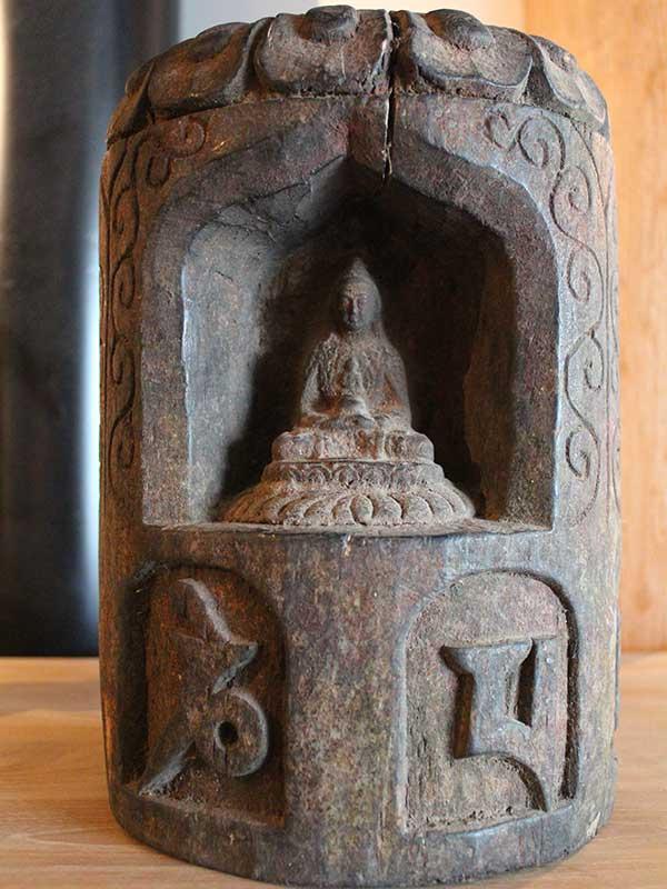 petit-autel-boudha-pierre