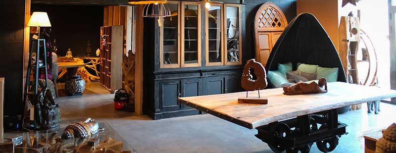 meubles en teck massif en provenance de ses propres ateliers indon siens. Black Bedroom Furniture Sets. Home Design Ideas